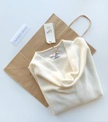 Пуловер с глубоким вырезом (Молочный)