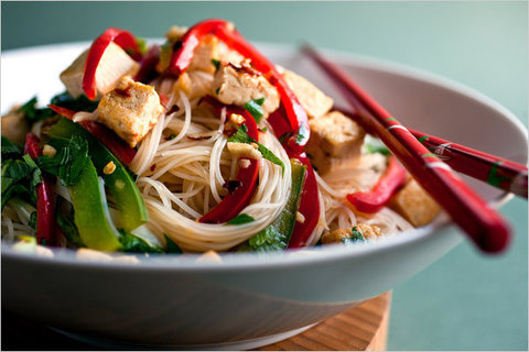 https://static-sl.insales.ru/images/products/1/8044/13705068/fried_noodles_tofu.jpg
