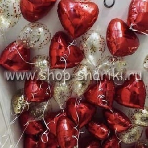 Шары с конфетти и сердца