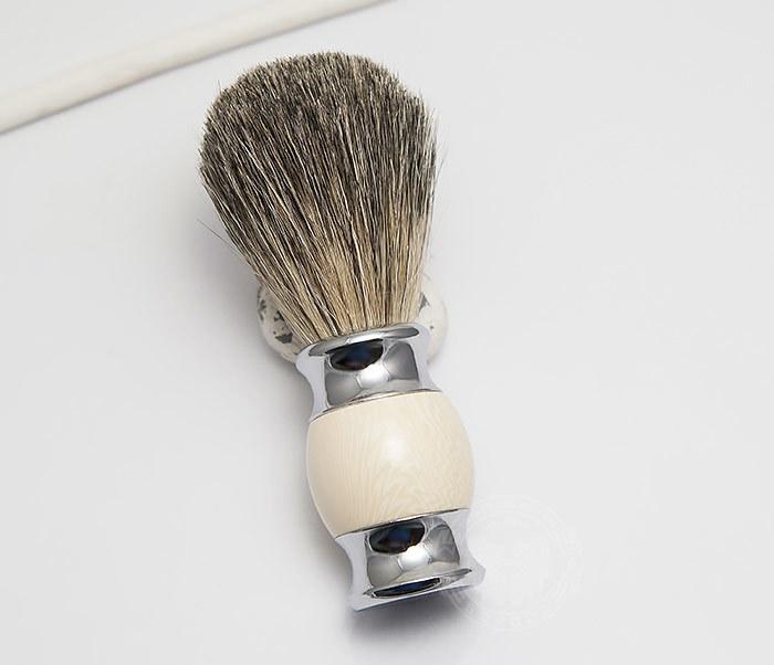 RAZ303-4 Помазок для бритья из барсучего волоса фото 02