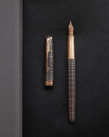 Перьевая ручка Parker Sonnet Chiselled Brown PGT