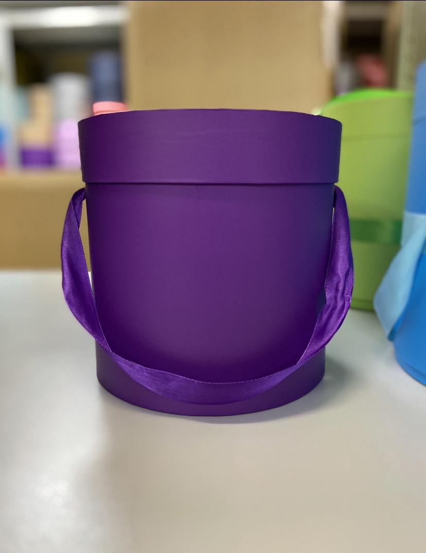Шляпная коробка эконом вариант 16 см . Цвет: Фиолетовый    . Розница 300  рублей .