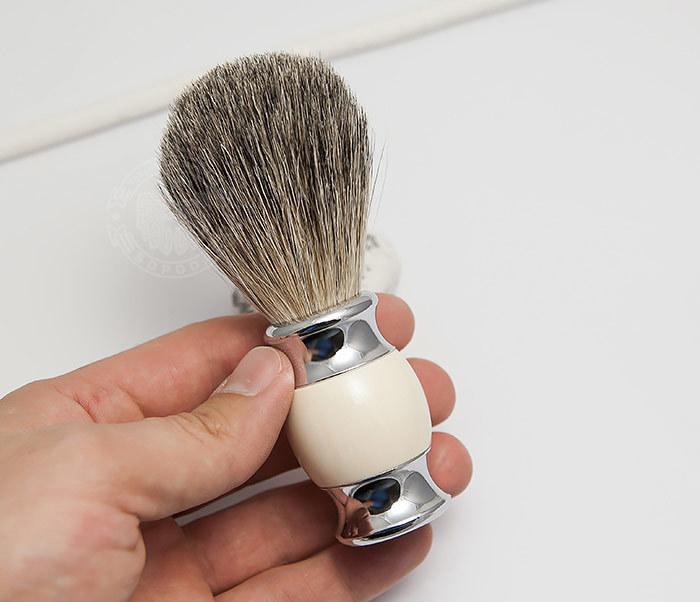 RAZ303-4 Помазок для бритья из барсучего волоса фото 04