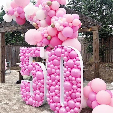 Инсталляция из шаров Москва