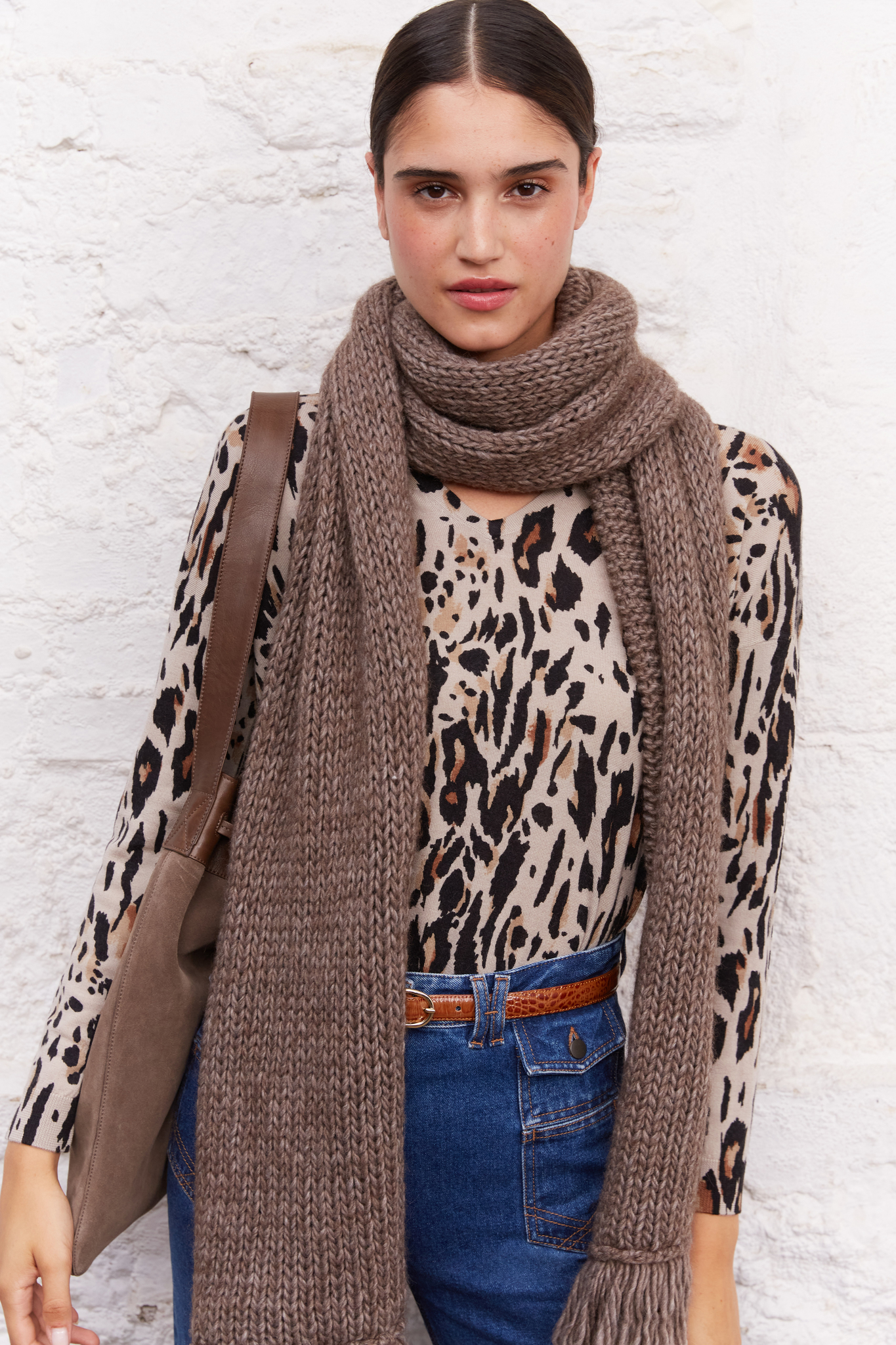 Шерстяной свитер с леопардовым принтом