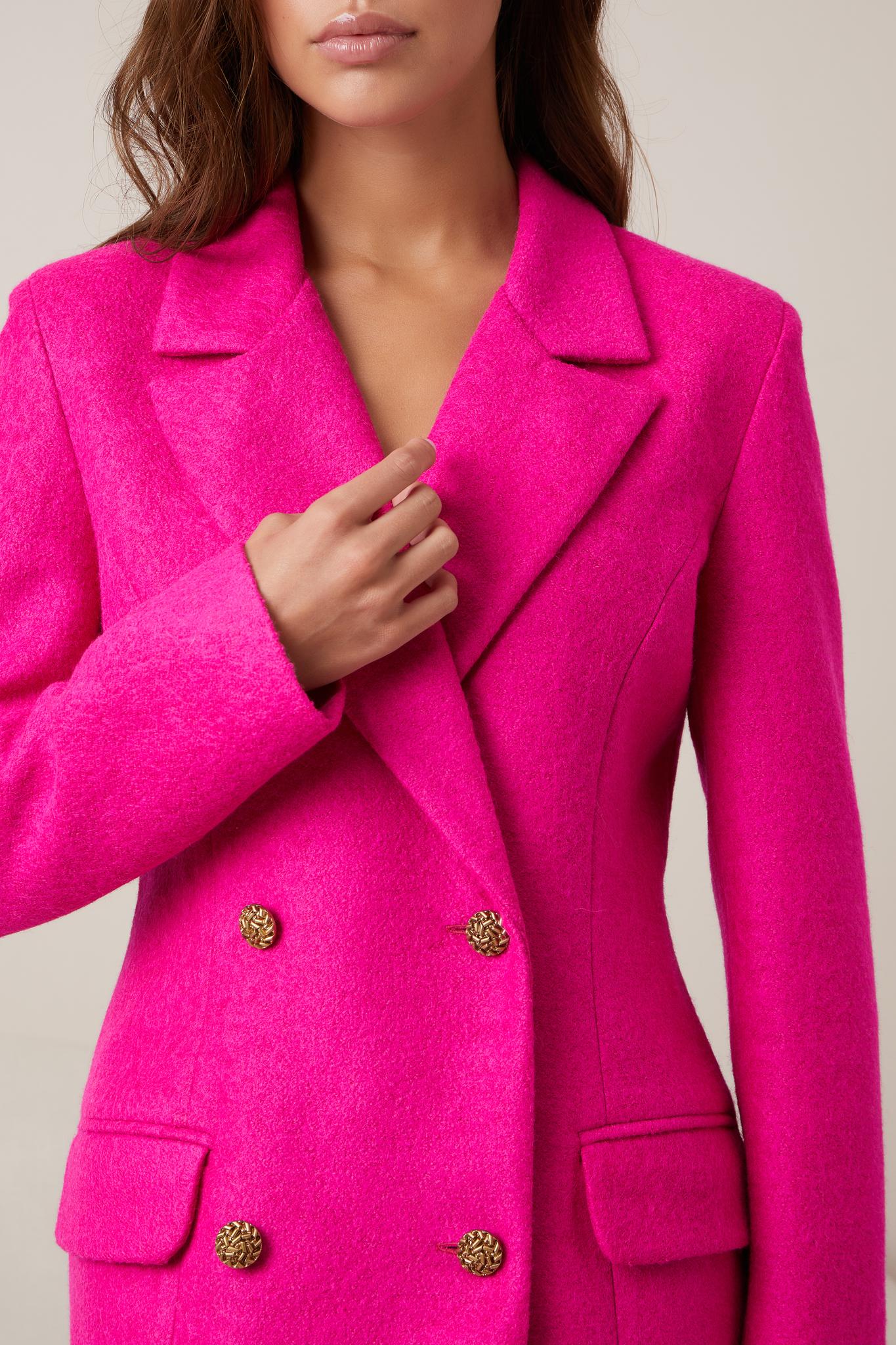 Теплый двубортный приталенный пиджак (фуксия)