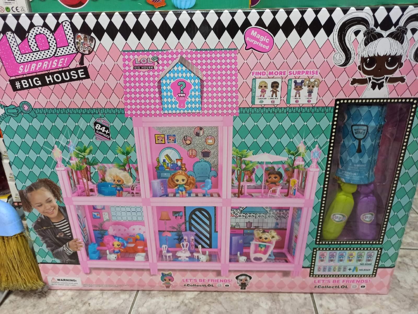 Замок комнаты для девочек Лол с волосами
