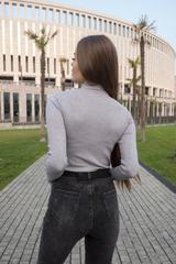 Короткие серые джинсы оптом