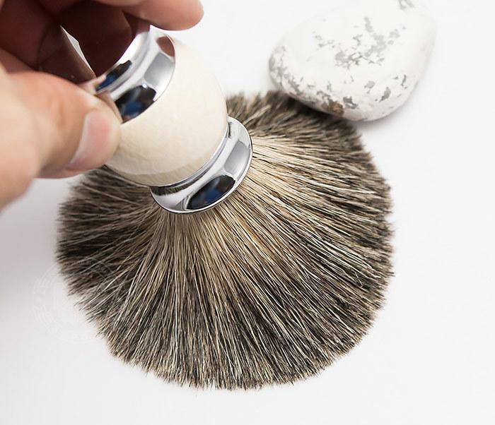 RAZ303-4 Помазок для бритья из барсучего волоса фото 06