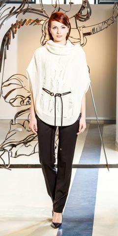Фото джемпер-пончо белого цвета с пояском и воротником хомут - Джемпер В809-029 (1)