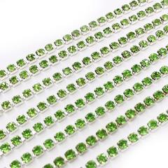 Стразовые цепи купить в Москве оптом Peridot зеленые на серебре