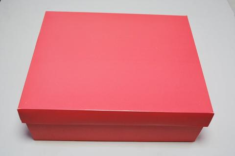 Коробка розовая с отдельной крышкой