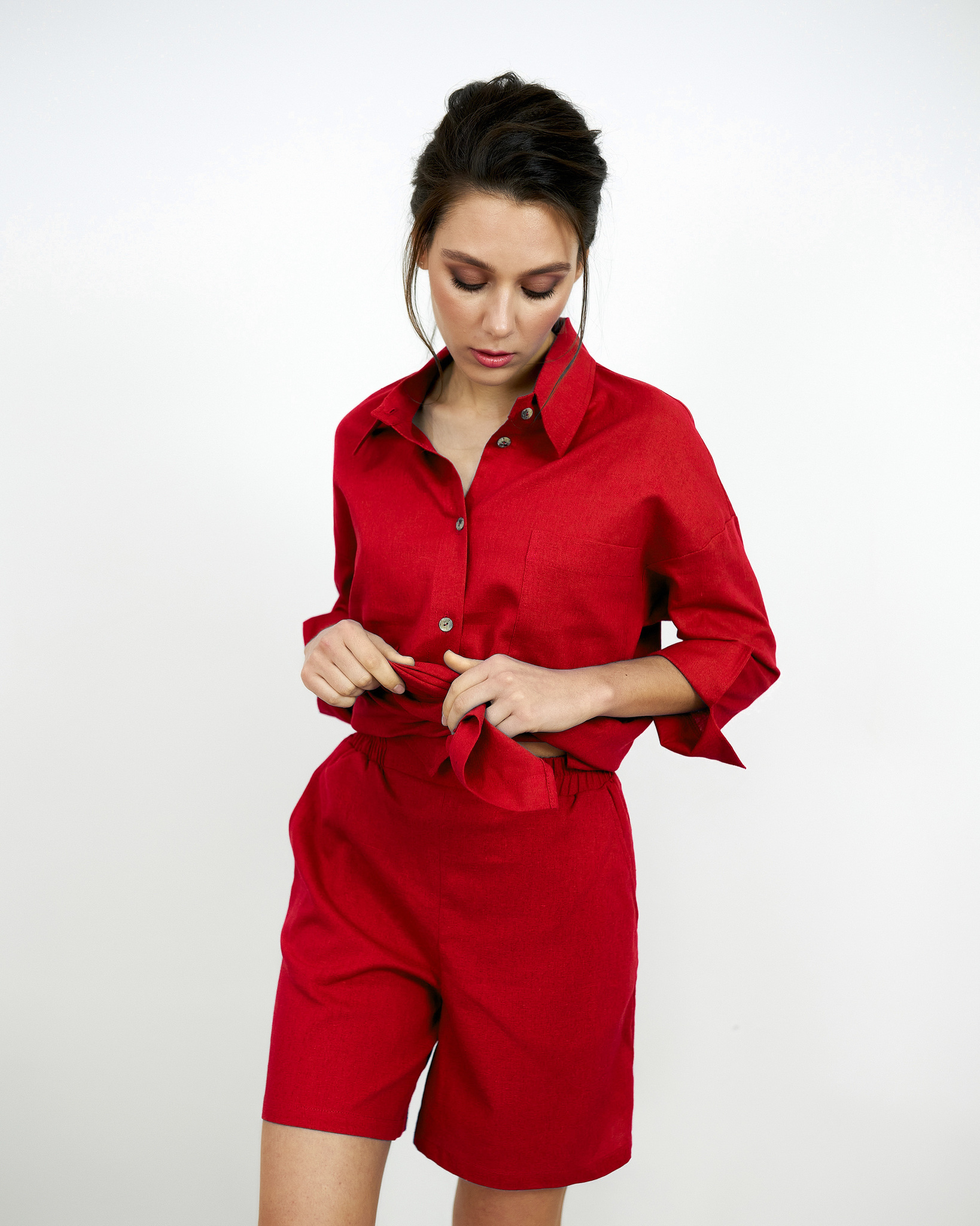 Льняные шорты Красные