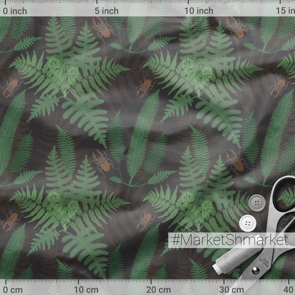 Листья папоротника и жуки-олени на темном фоне