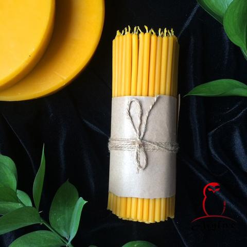 Жёлтые тонкие свечи