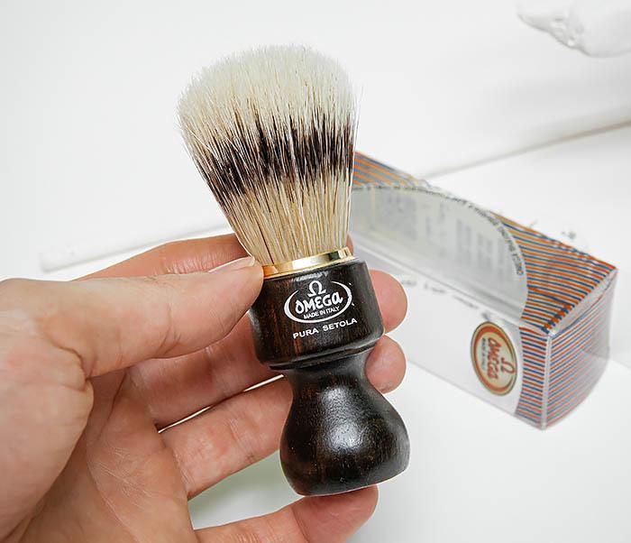 RAZ503 Помазок «OMEGA» с рукояткой из дерева, щетина кабана фото 07