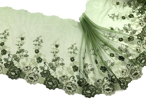Вышивка на сетке хаки (левая) 20 см