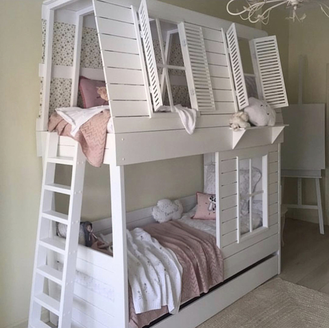 Двуспальная кроватка-домик в наличии