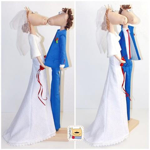 Подставка для кукол двойная 10х20см (бук) с держателями