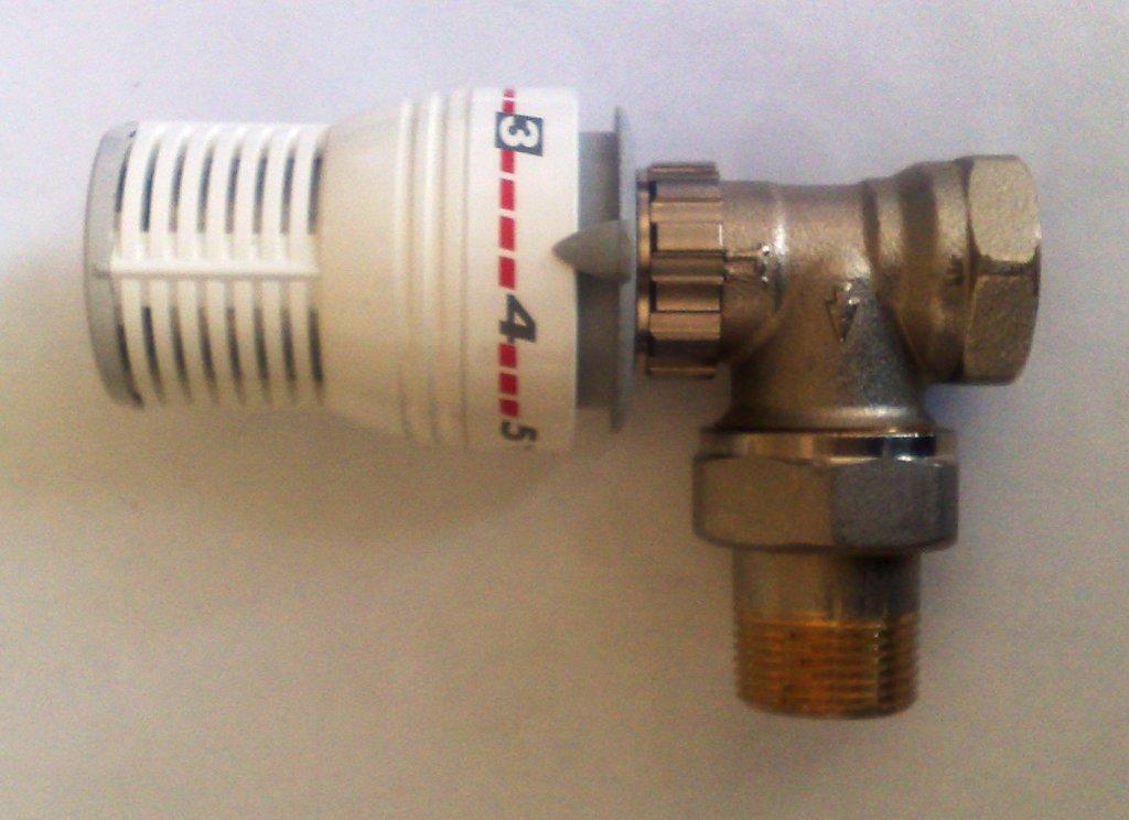 Термостатический клапан Comap с термоголовкой