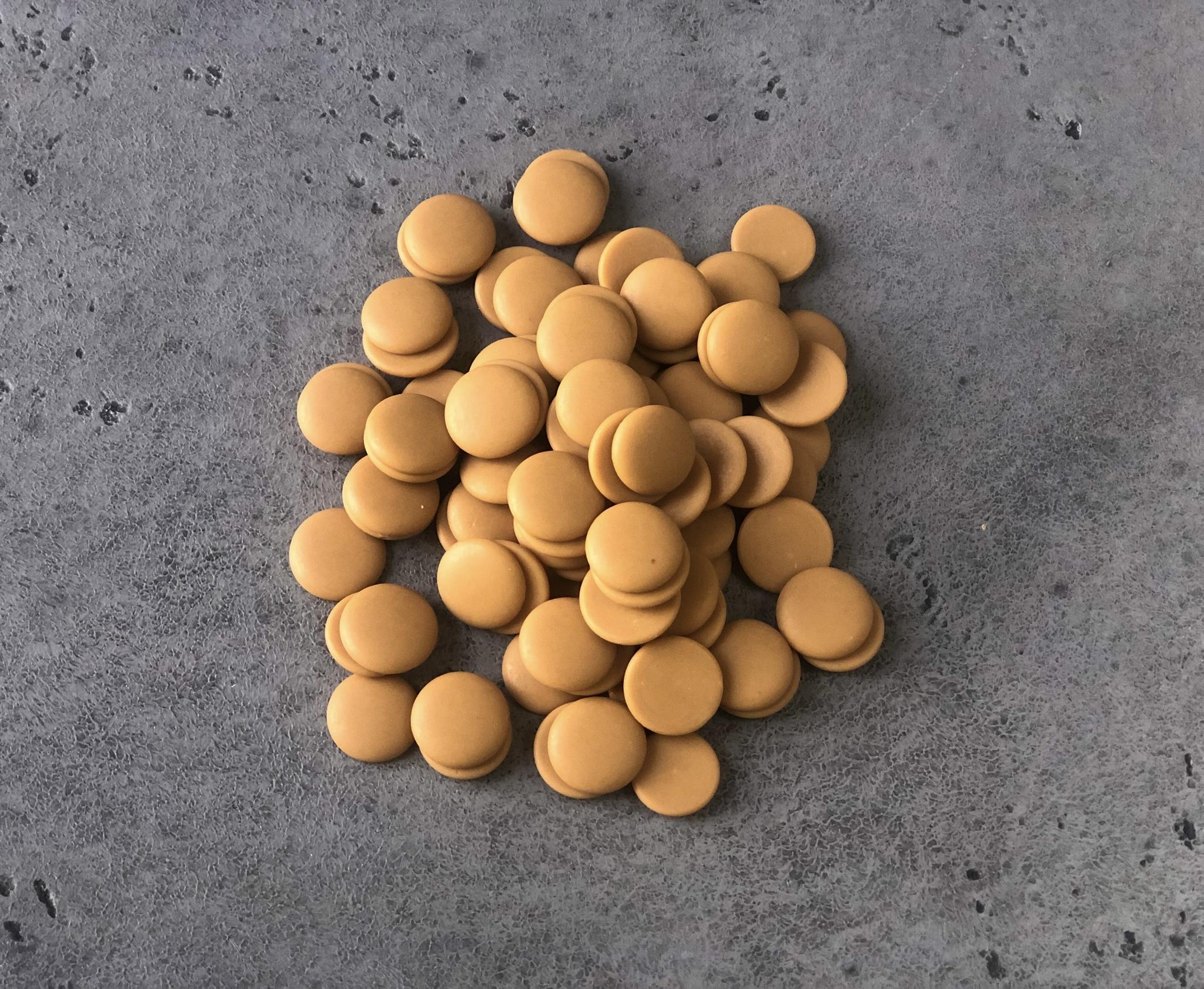 Шоколад белый с карамелью Zephyr Caramel Barry 35%, 2,5 кг