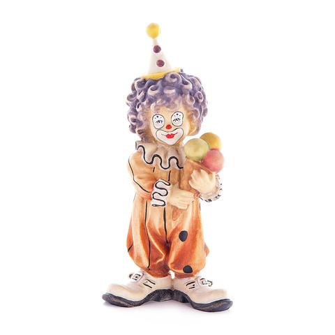 Клоун-мальчик с мороженым