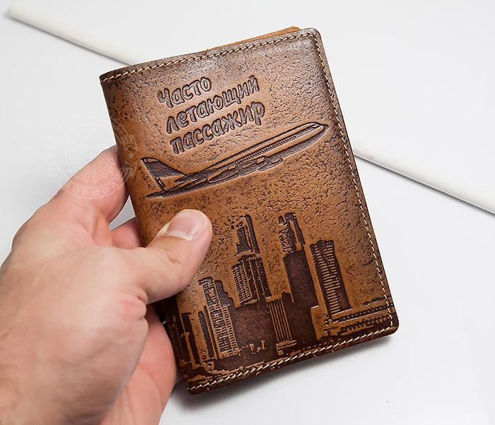 BY14-29-07 Кожаная бложка для паспорта «Часто Летающий Пассажир» фото 05