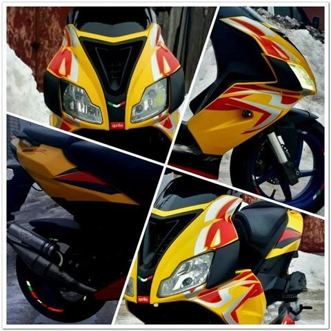 Набор наклеек на скутер 2011 Aprilia SR50