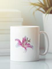 Кружка с изображением  Цветы (Лилии) белая 003