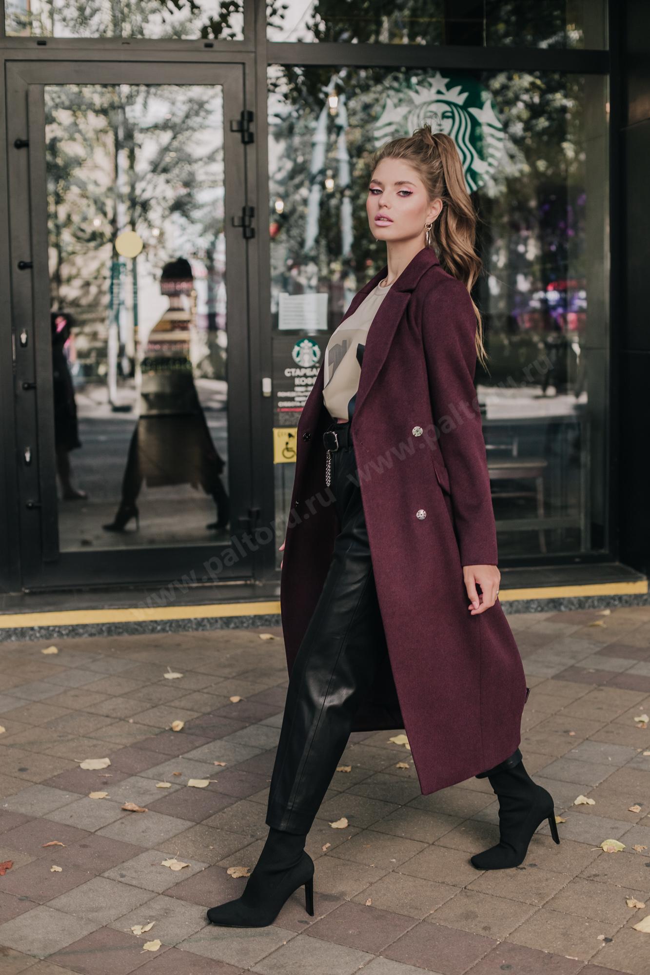 Пальто женское приталенное цвета марсала (бургундское вино)