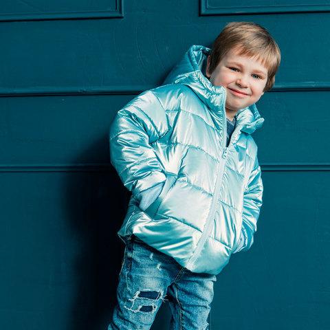 Демисезонная детская подростковая куртка в голубом цвете для мальчика