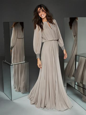 Вечернее платье классическое трапецевидное