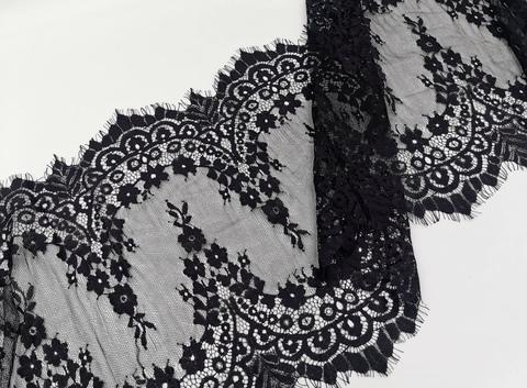 Кружево шантильи с ресничками, 33см, черное, купон (3м)