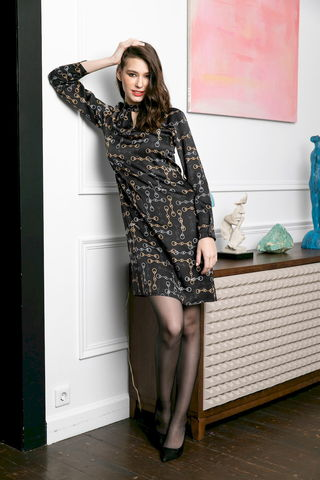 Фото платье с вырезом-каплей на горловине и длинными рукавами на пуговицах - Платье З484-152 (1)