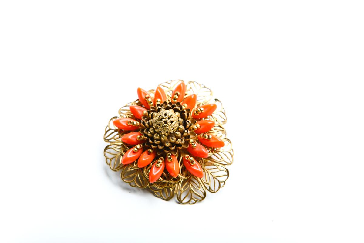 "Брошь ""Коралловые цветы"" от  Miriam Haskell"