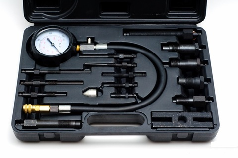 Прибор для измерения компрессии в дизельных двигателях с насадками СЕРВИС КЛЮЧ (75565)