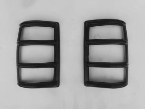Защитная накладка задних фонарей УАЗ Патриот  Пластиковая (комплект 2 штуки)