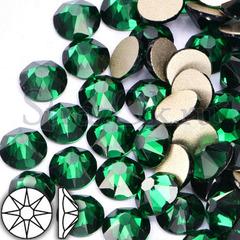 Купить стразы оптом Xirius 8x8 в интернете Emerald зеленые