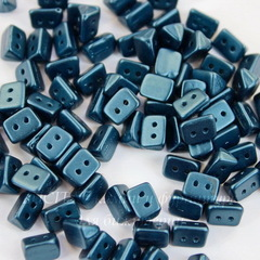 Бусина Trios Треугольник с 2 отверстиями, 6х4 мм, пастельно-синяя