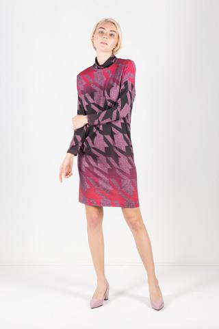 Фото облегающее сиреневое платье - водолазка с принтом пье де пуль - Платье З304а-462 (1)
