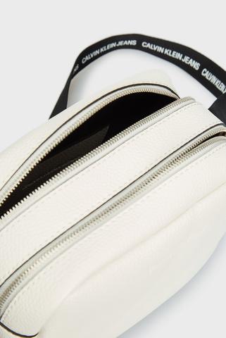 Женская белая сумка DOUBLE ZIP CAMERA BAG Calvin Klein Jeans