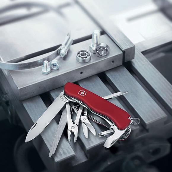 Складной нож Victorinox Work Champ 2017, красный, 111 мм., 21 функция (0.8564) - Wenger-Victorinox.Ru