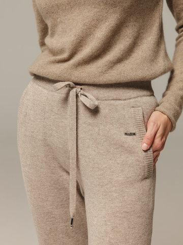 Женские брюки песочного цвета с карманами из шерсти и кашемира - фото 5