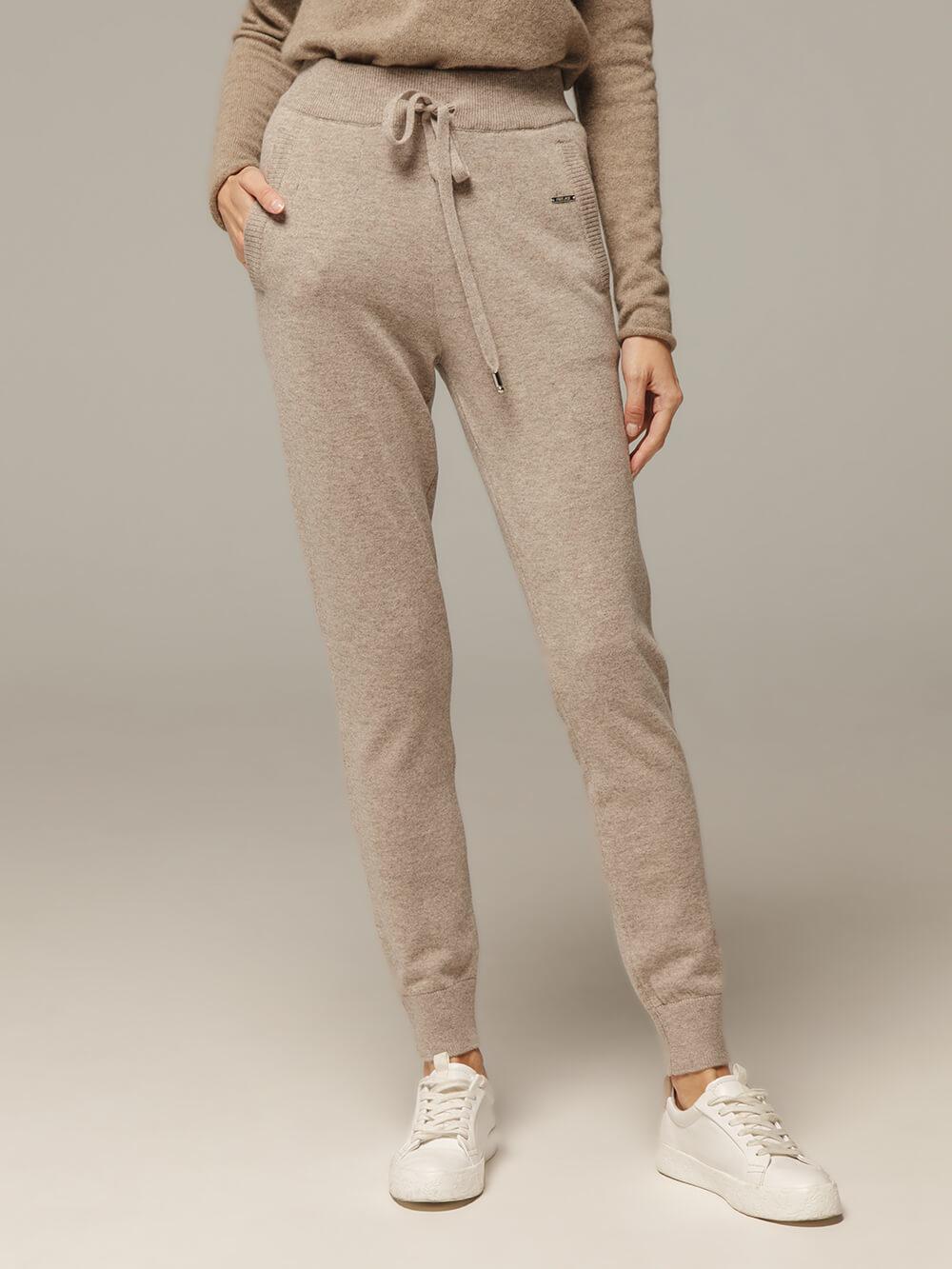 Женские брюки песочного цвета с карманами из шерсти и кашемира - фото 1