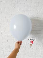 Воздушный шар бледно-голубой