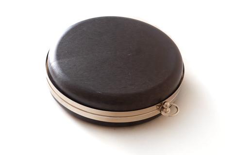 Клатч бокс таблетка 18 см, серебро