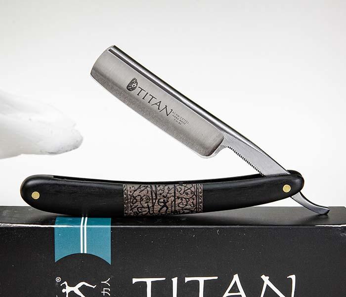 RAZ520-1 Опасная бритва бренда «Titan» с черной деревянной рукояткой фото 05