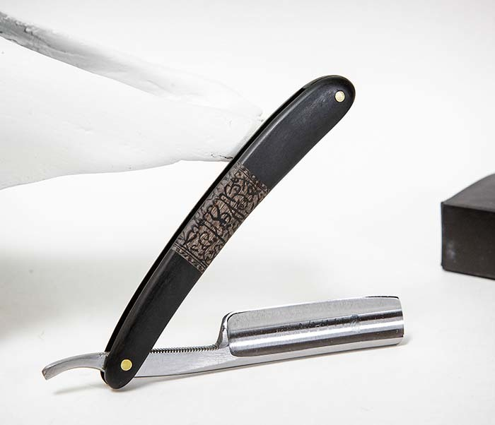RAZ520-1 Опасная бритва бренда «Titan» с черной деревянной рукояткой фото 06