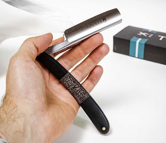 RAZ520-1 Опасная бритва бренда «Titan» с черной деревянной рукояткой фото 08