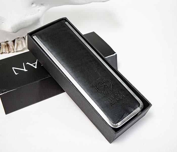RAZ520-1 Опасная бритва бренда «Titan» с черной деревянной рукояткой фото 09